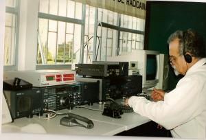 Lançamento em 1998 do Observatório Aeroespacial de Oeiras ex-CS1MAR em parceria com a REP. Equipamentos emprestados em 2005 ao IST-Tagus na imagem.