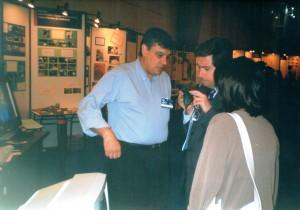 Mariano Gago na FIL, durante a apresentação do Observatório Aeroespacial de Oeiras em 1999