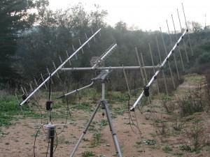 Antenas para rastreio de satélites, em campanha