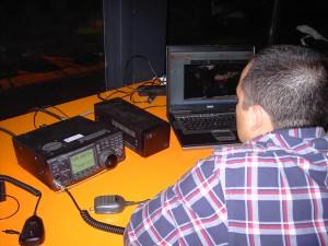 Jovem dirigente do Observatório empregando equipamento da Liga do Mar que está desde 2010 retido dentro do IST-Tagus no CS5CEP, cuja devolução se aguarda há 6 anos