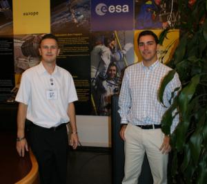 Jovens dirigentes do Observatório e delegados da AMSAT-CT que em 2005 participaram na reunião da ARISS em ESTEC
