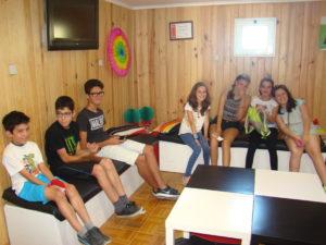 Grupo de jovens que participaram nas acções recreadas pelo Observatório Aeroespacial de Odivelas